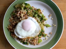 Egg, Freekeh, Bulgur, and Broccoli
