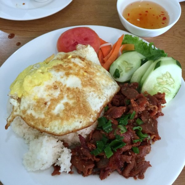Broken Jasmine Rice with Grilled Pork Slices and Egg